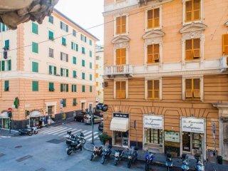 Foto 1 di Trilocale via Monte Suello, Genova (zona Carignano, Castelletto, Albaro, Foce)