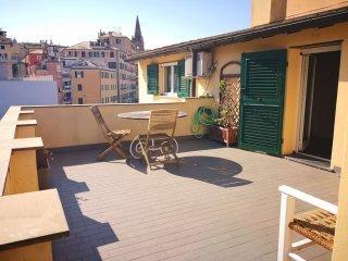Foto 1 di Appartamento piazza delle Erbe, Genova (zona Centro, Centro Storico)