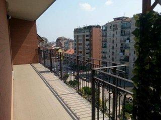 Foto 1 di Quadrilocale via borgo ticino, Torino (zona Barriera Milano, Falchera, Barca-Bertolla)