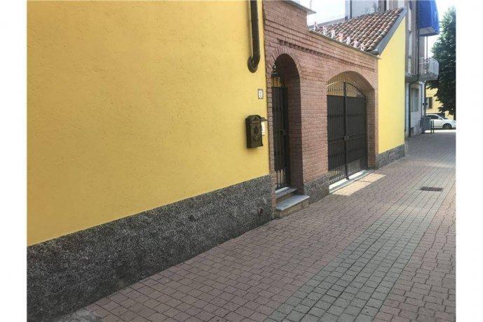 Foto 2 di Villa via Parrocchia, 2, Villastellone