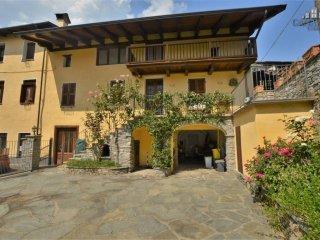 Foto 1 di Casa indipendente via Martiri del 1821 11, Vico Canavese