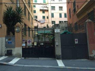 Foto 1 di Trilocale via Caffaro 7A, Genova (zona Carignano, Castelletto, Albaro, Foce)