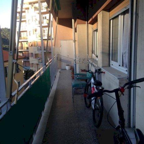 Foto 3 di Quadrilocale Genova
