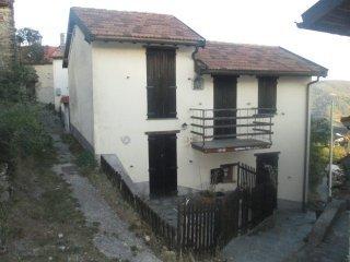 Foto 1 di Casa indipendente loc.Montecanne, Isola Del Cantone