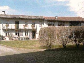 Foto 1 di Rustico via GERBIDI, 58, Cavour