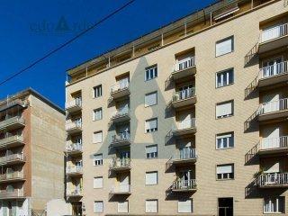 Foto 1 di Trilocale via Arnaldo da Brescia 63, Torino (zona Lingotto)
