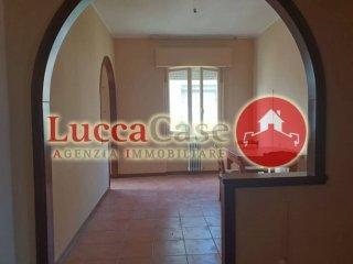 Foto 1 di Appartamento via Pisana, 438, Lucca