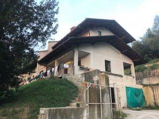 Foto 1 di Villa Località Sant'Eligio, Monforte D'alba