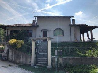 Foto 1 di Villa Frazione Tre Rivi, Monteu Roero