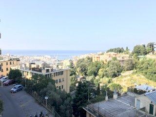 Foto 1 di Bilocale Via Ausonia, Genova (zona Carignano, Castelletto, Albaro, Foce)