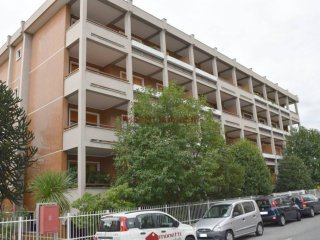 Foto 1 di Trilocale via Pietro De e Bernard 10, Pinerolo