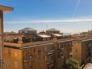 Foto 1 di Appartamento via Oberto Cancelliere 47, Genova (zona Carignano, Castelletto, Albaro, Foce)