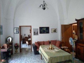Foto 1 di Casa indipendente via Pizzolante, Manduria