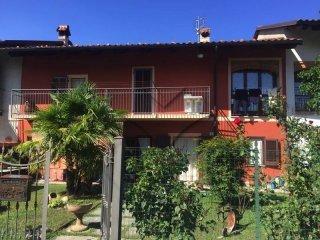 Foto 1 di Villa via Roma, Envie