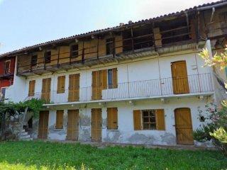 Foto 1 di Casa indipendente via Pobbia, Azeglio