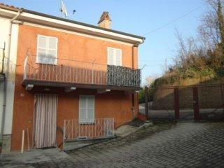 Foto 1 di Casa indipendente VIA ORTI, Camagna Monferrato