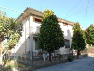 Foto 1 di Villa via Maianino ausa vecchia, Forlimpopoli
