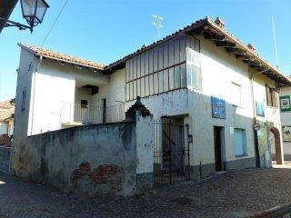 Foto 1 di Casa indipendente Montelupo Albese