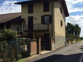 Foto 1 di Casa indipendente Borgata Tamagnone, 16, Riva Presso Chieri