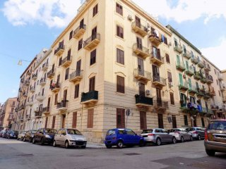 Foto 1 di Quadrilocale via Pietro d'Aragona, Palermo (zona Oreto - Ciaculli)