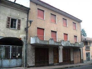 Foto 1 di Casa indipendente via Bogliolo, Mombercelli