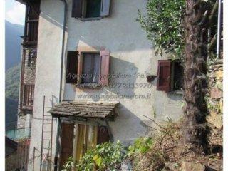 Foto 1 di Casa indipendente via Roma, Falmenta