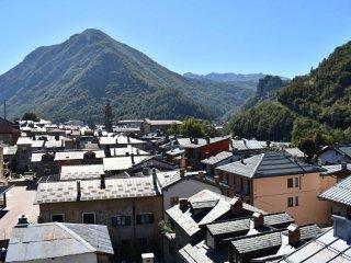 Foto 1 di Attico / Mansarda via Umberto I, Vernante
