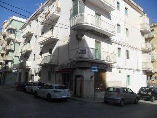 Foto 1 di Trilocale via Bari 1, Vieste