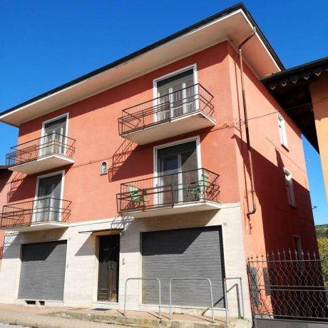Foto 1 di Villa viale Martiri della Libertà 67, Clavesana