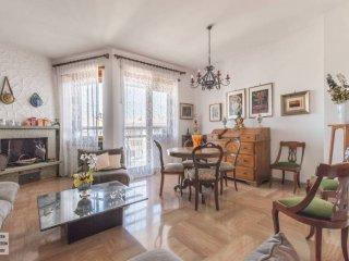 Foto 1 di Appartamento piazza Riccardo Cattaneo, 21, Torino (zona Precollina, Collina)