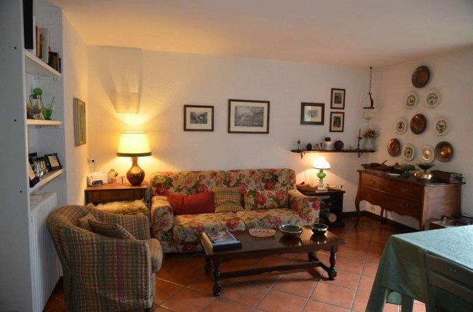 Foto 1 di Appartamento strada grand ru 4, Aosta
