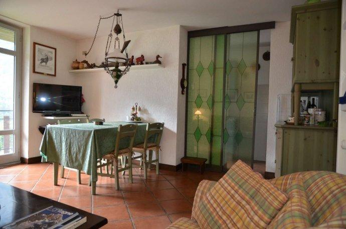 Foto 2 di Appartamento strada grand ru 4, Aosta