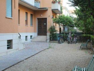 Foto 1 di Trilocale via Alfredo Calzolari, Bologna (zona Bolognina)