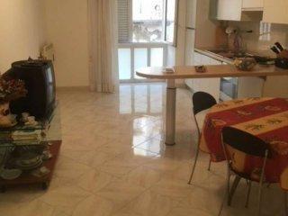 Foto 1 di Trilocale vico Belledonne a Chiaia, Napoli (zona Chiaia, Posillipo, San Ferdinando)