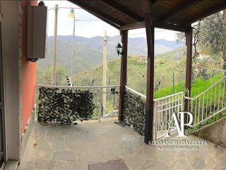 Foto 1 di Appartamento San Colombano Certenoli - San Martino Del Monte, San Colombano Certenoli