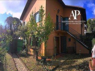 Foto 1 di Appartamento Via San Lorenzo72, Leivi