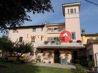Foto 1 di Casa indipendente via DI ARSINA, 1801, Lucca (zona Arsina - Cappella - Torre - Vallebuia)