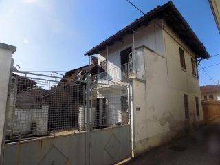 Foto 1 di Appartamento Caramagna Piemonte