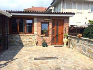 Foto 1 di Villa via Nazionale, Pinerolo