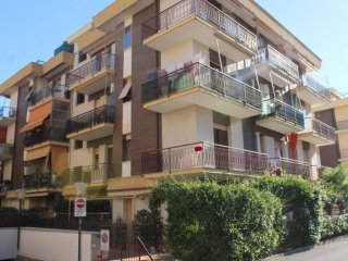 Foto 1 di Bilocale via Pinee 39, Pietra Ligure