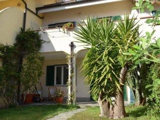 Foto 1 di Villa via Silvio Bonfante, Albenga