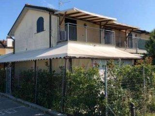 Foto 1 di Villetta a schiera viale americhe, Ravenna