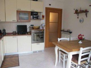Foto 1 di Appartamento via Ronco, frazione Pedemonte, Serra Riccò