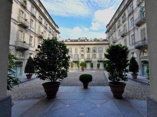Foto 1 di Appartamento via della Rocca 21, Torino