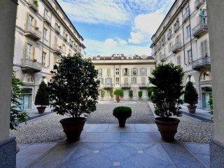 Foto 1 di Attico / Mansarda via della Rocca 21, Torino