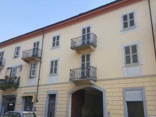 Foto 1 di Monolocale Via Nizza, 80, Acqui Terme