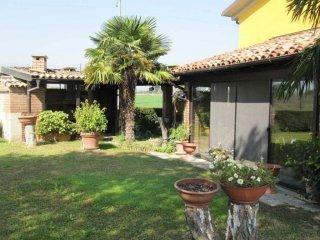 Foto 1 di Casa indipendente via Canale Naviglio, Parma