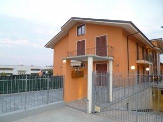 Foto 1 di Bilocale Via Pignari, 40, Saluzzo