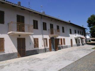 Foto 1 di Casa indipendente Cortiglione
