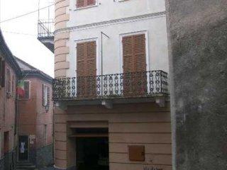Foto 1 di Palazzo / Stabile Vignale Monferrato